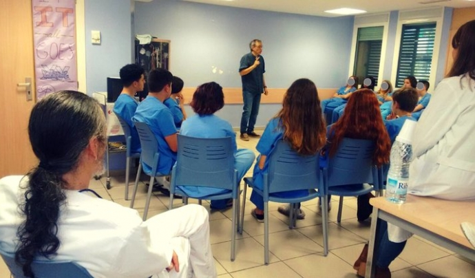 Sessió de contes a l'Hospital Clínic de Barcelona durant la passada edició del festival Font: Associació Munt de Paraules