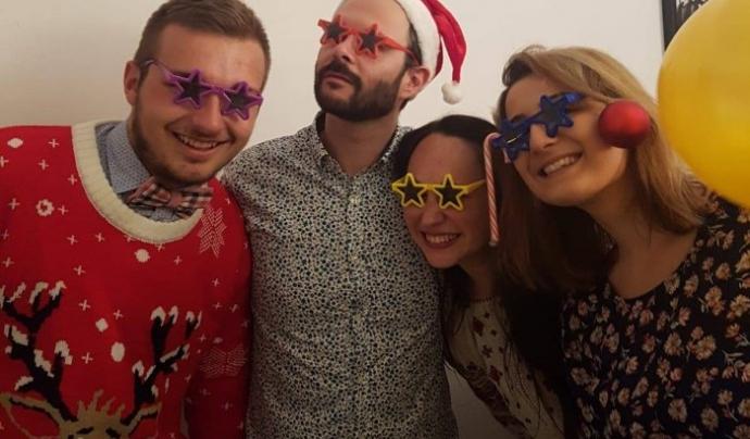 Els voluntaris internacionals passen el Nadal descobrint el Tió i els costums del país Font: Twitter @LaVibria