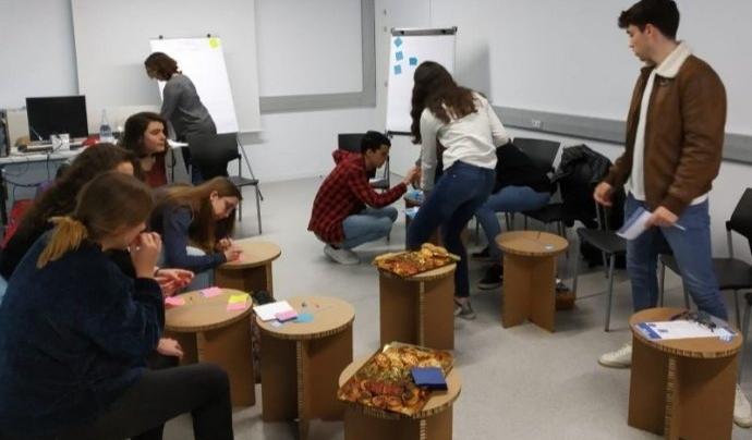 El voluntariat universitari, més actiu que mai durant la pandèmia. Font: Afev