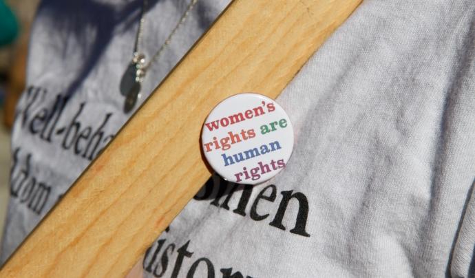 Des de L'Associació de Drets Sexuals i Reproductius lamenten que encara queden situacions que suposen barreres i vulneracions de drets. Font: CC