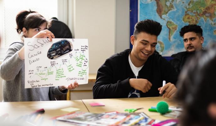 El programa 'Zing' cerca persones voluntàries per acompanyar a joves en la seva formació. Font: Fundació Nous Camins