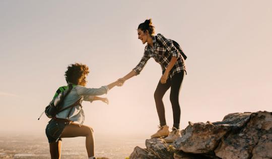 Les entitats de mentoria social segueixen sumant esforços per fer possible que la mentoria arribi de la forma més transformadora possible a les persones a les que atenen. Font: Mentoria Social