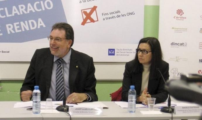El conseller Josep Lluís Cleries defensant la gestió del 0,7 de l'IRPF