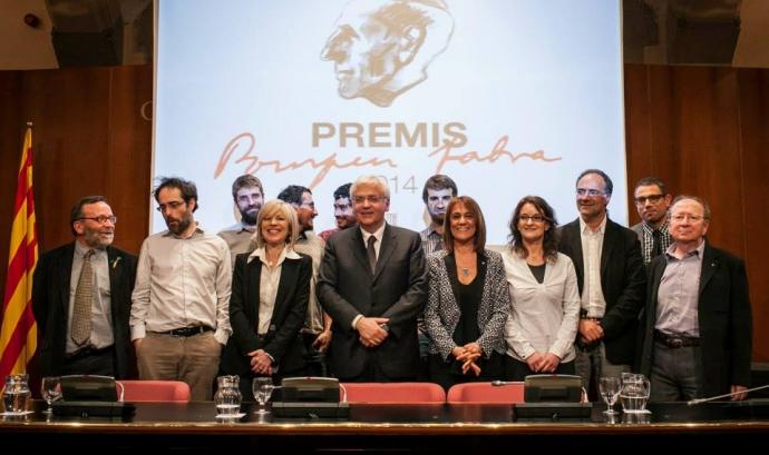 El premi Pompeu Fabra 2014 al voluntariat lingüístic universitari Font: