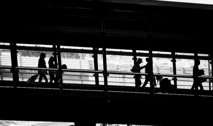 Migració de persones. Font: Flickr Hernán Piñera Font: