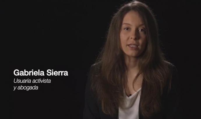 Gabriela Serra, usuària de cànnabis en la presentació de la campanya #CannabisResponsable  Font: Unió de pacients per la regulació cànnabis