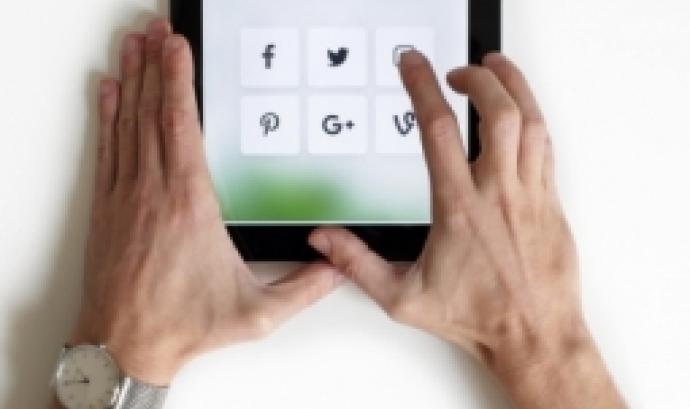 L'objectiu és que els professionals de recursos humans desenvolupin les competències necessàries per a fer un bon ús de les noves eines de reclutament 2.0. Font: Unsplash.
