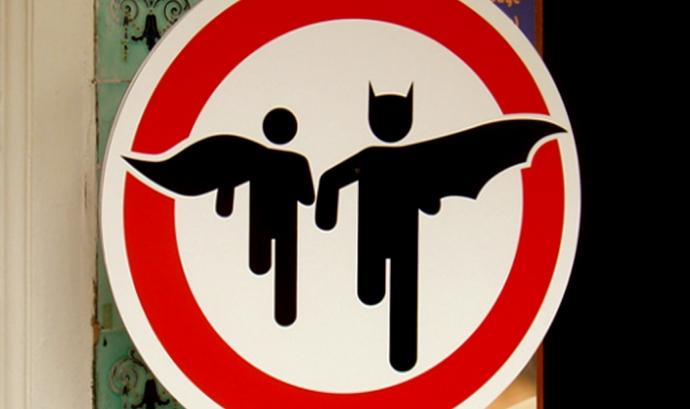 superheroes crossing - Font: Flickr_Brett Jordan Font: