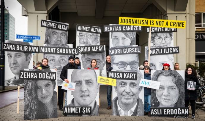 Membres d'Amnistia Internacional en un acte a Rotterdam Font: Marieke Wijntjes/Amnistia Internacional