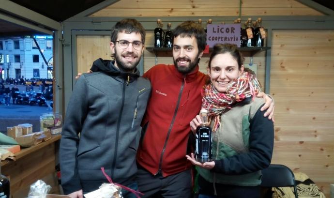 Fira de Consum Responsable a la plaça Catalunya Font: Tres Cadires