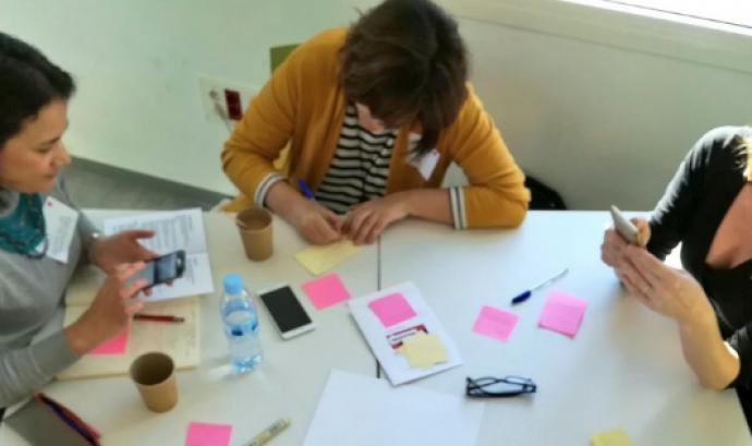 El Viver de Comunicació Associa't ofereix un itinerari formatiu i una hackató de comunicació col·laborativa