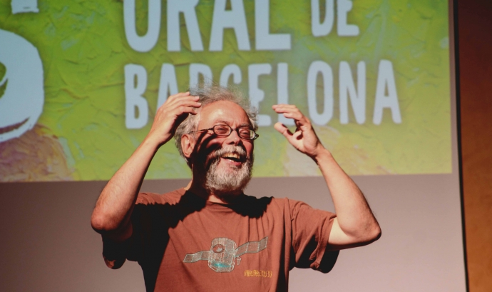 Quico Cadaval, un dels narradors del Festival, durant una actuació Font: Munt de Mots