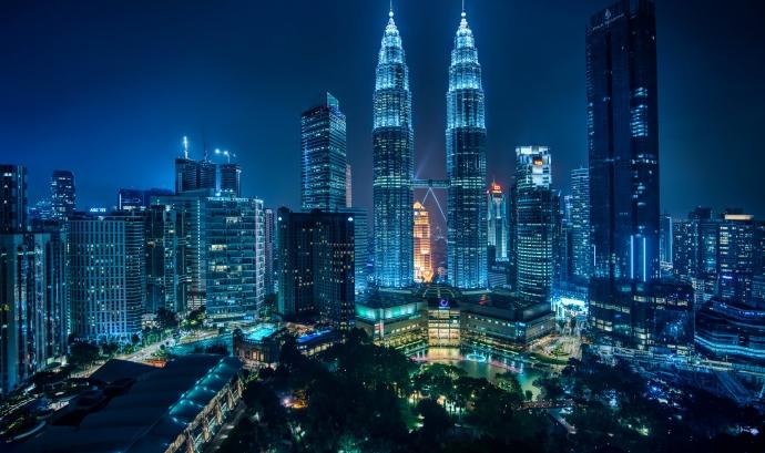 Kuala Lumpur des del Traders Hotel Bar.  Font: Trey Ratcliff (CC BY-NC-SA 2.0)