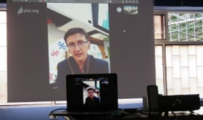 Fotografia d'una videoconferència. Imatge de Corporación ApropiACYT. Llicència d'ús CC BY 2.0