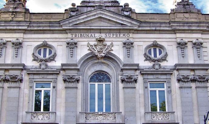 Façana del Tribunal Suprem. Font: Wikimedia Font:
