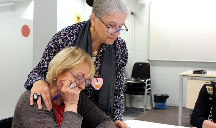 En el marc del projecte 'Vincles' es promociona l'envelliment actiu i saludable Font: Fundació Aroa