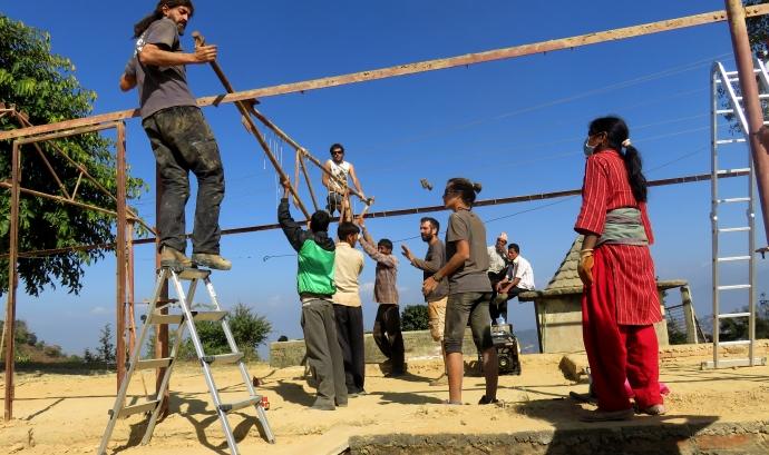 Primera fase de reconstrucció de la escola Shree Sarashwotii del Nepal Font: