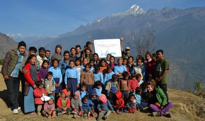 Membres del projecte a Nepal / Foto: Living Nepal Font: