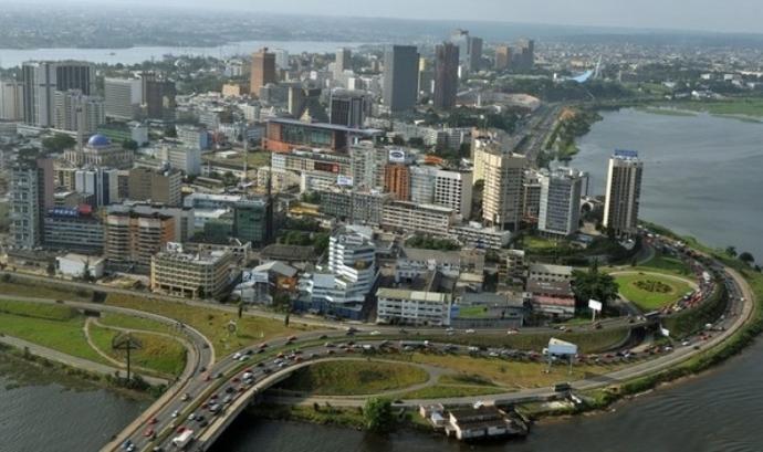 Abidjan, la ciutat principal de la Costa d'Ivori