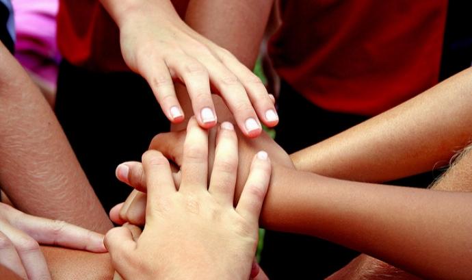 Tots plegats. Font: acciosocial.org
