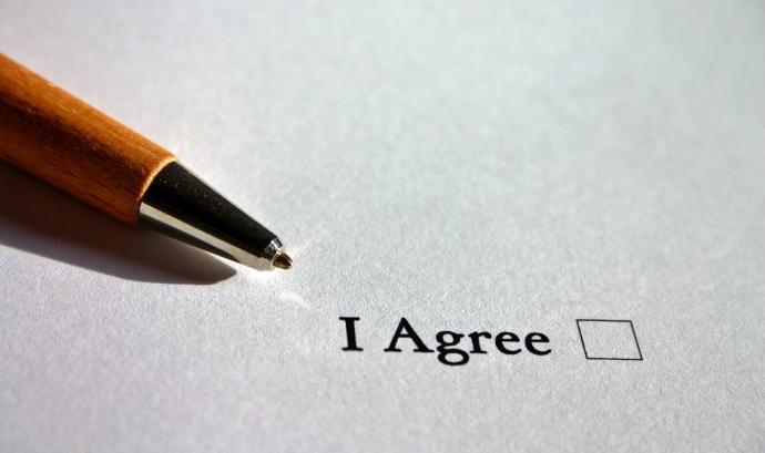 Per executar el càrrec directe SEPA s'ha d'obtenir prèviament el consentiment de la persona a qui se li cobrarà. Font: Pixabay.