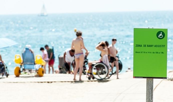 Zona de bany assistit a una platja de la ciutat de Barcelona Font: Ajuntament de Barcelona