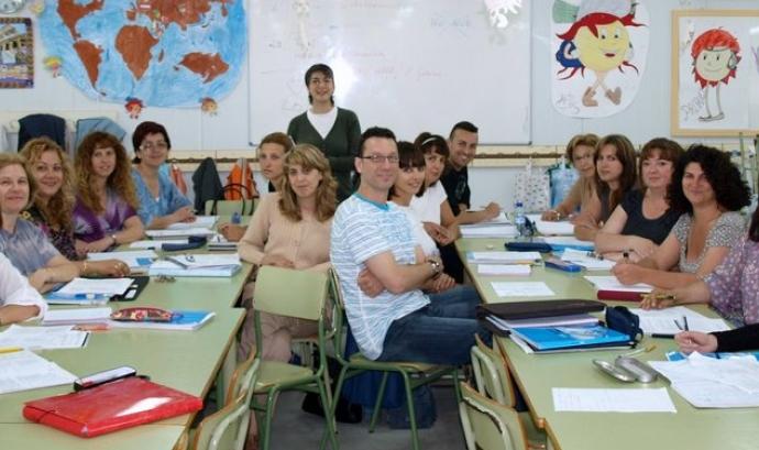 Curs de català organitzat per l'AMPA Vall de Palau. Font: Flickr de l'AMPA Font: