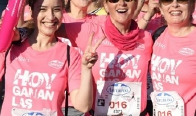 Algunes de les persones que van córrer la Cursa de la Dona l'any passat. Font: Cursa de la Dona