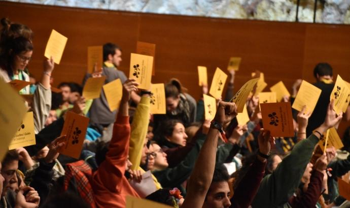 Moment de votacions a l'AGO de Minyons Escoltes i Guies de Catalunya