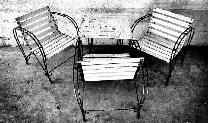 Taula i cadires_julianrod_Flickr