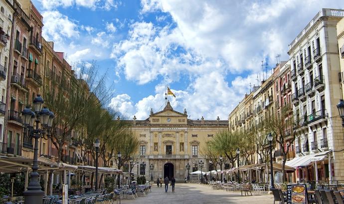 Les entitats veïnals de Tarragona reaccionen davant la campanya de recollida de signatures per a expulsar persones migrades. Font: Wikipedia
