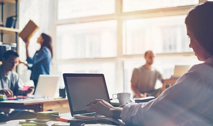 Per fer la transformació digital de l'entitat es necessiten moltes eines digitals. Imatge de Lyncconf Games. Llicència d'ús CC BY 2.0 Font: Imatge de Lyncconf Games. Llicència d'ús CC BY 2.0