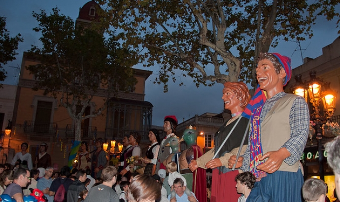 Les Festes Majors també han entrat en el món de les aplicacions per móbil. Imatge de Erik Ll. Llicència d'ús CC BY 2.0 Font: Imatge de Erik Ll. Llicència d'ús CC BY 2.0