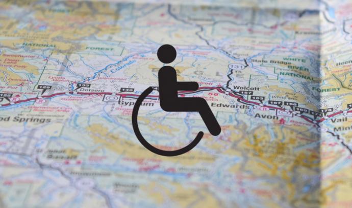 Google Maps demana la contribució dels ciutadans per determinar els llocs que són accessibles.  Font: Associació per a Joves TEB