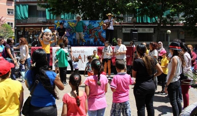 La Diverfesta té com a objectiu aconseguir la cohesió social al barri de La Salut Alta. Font: Fundació La Salut Alta