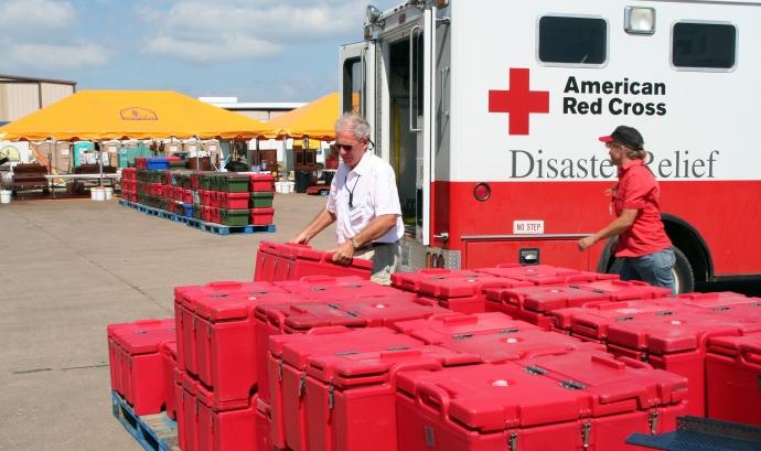 Equip de la Creu Roja americana. Font: American Red Cross