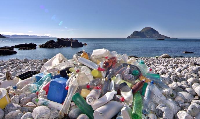 Actualment a Europa s'aconsegueix recuperar menys del 30% dels envasos de plàstic posats al mercat Font: Zero Waste Europe