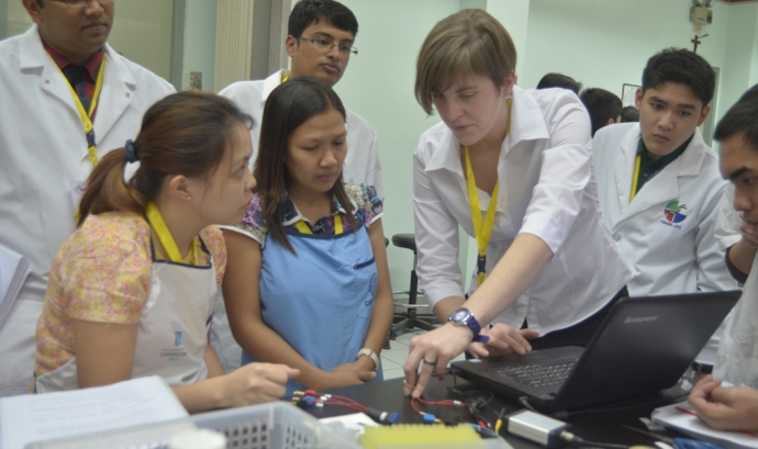 Bant School a Filipines (Font: FAS) Font: