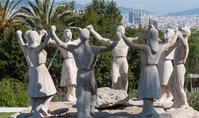 Monument a la Sardana completament restaurat, situat al Castell de Montjuïc Font: Coordinadora Entitats Sardanistes de Barcelona