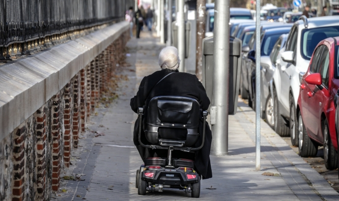 Moltes entitats de persones amb discapacitat denuncien les barreres arquitectòniques. Font: CC