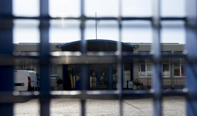Denuncien la doble condemna que s'aplica a les persones tancades al CIE Font: El Público