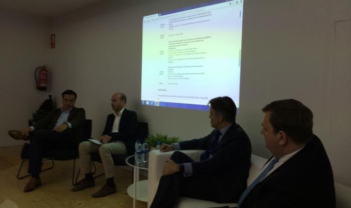Junta reunida. Font: blog.privateinvestmentsnetwork.com
