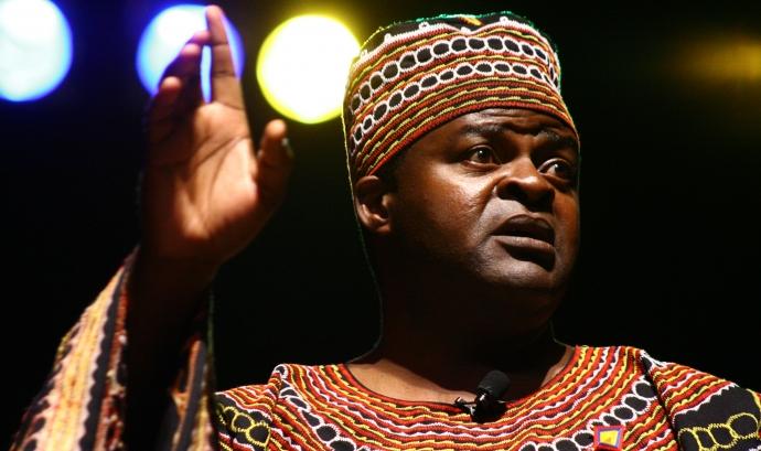 Boniface Ofogo - Narrador camerunès Font: