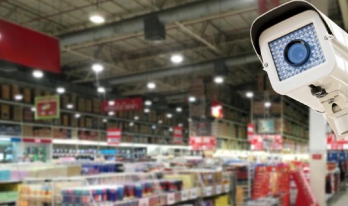 Càmera de vigilància. Font: bufetcolls.com  Font: