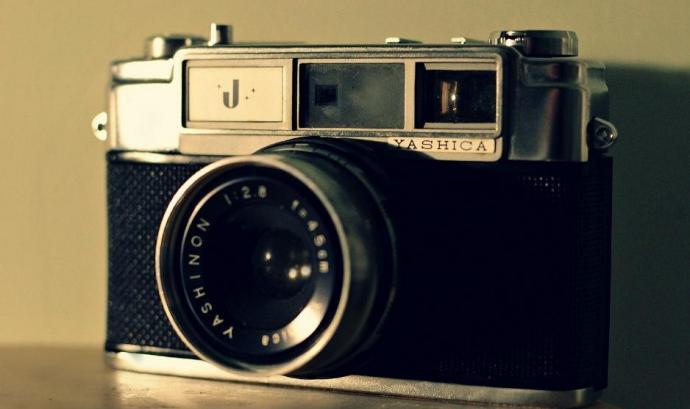 Càmera fotogràfica. Font: Welshdan (flickr)