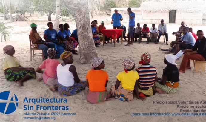 Cartell del curs 'Arquitectura, cooperació, dret a l'habitatge i a la ciutat'. Font: Arquitectes sense Fronteres