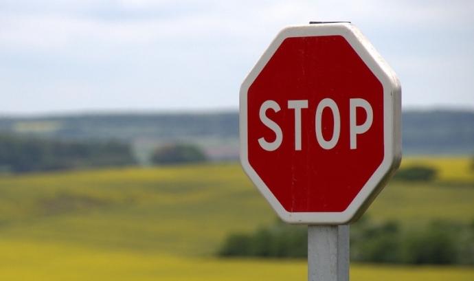 STOP Font: Pexels.com