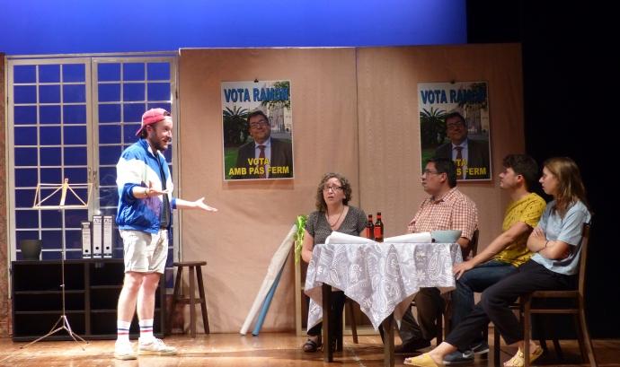 Imatge de l'obra 'Consell familiar' del Casal Corpus Grup de Teatre. Font: Agustina Guiteras - Casal Corpus Grup de Teatre