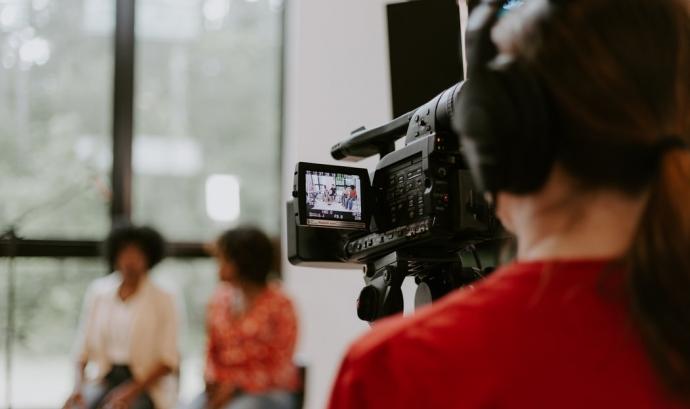Els llargmetratges presentats hauran de complir amb un mínim de dos dels quatre estàndards nous. Font: Unsplash. Font: Font: Unsplash.