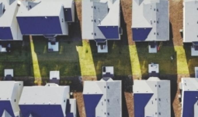 L'objectiu és donar a conèixer les particularitats de la regulació dels diferents règims d'habitatge a través del cooperativisme. Font: Unsplash.